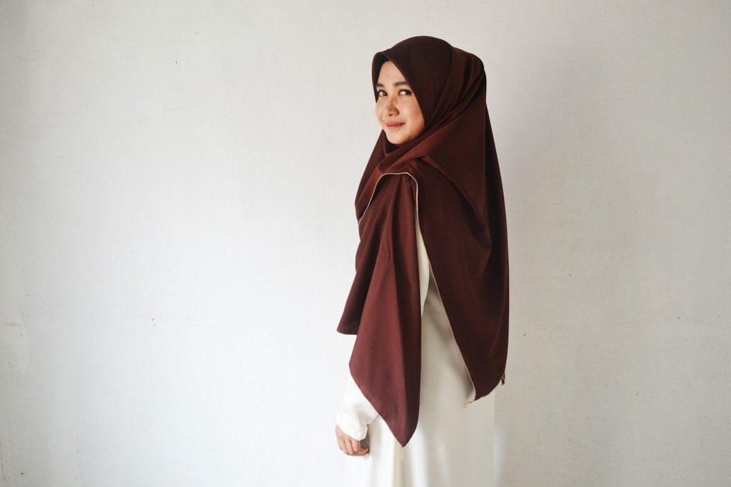 1-smiling-muslim-lady